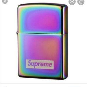 Supreme lighter